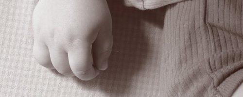 Acumulación de lactancia por el padre y prestación por maternidad.